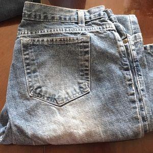 2 pair  of women's Bass jeans EUC